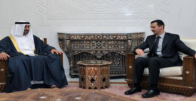 Mohamed Ben Zayed avec Bachar Assad à Damas en 2009.