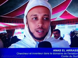Capture d'écran où l'on voit Anas El Arass lors d'une cérémonie officielle où il aurait reçu une décoration