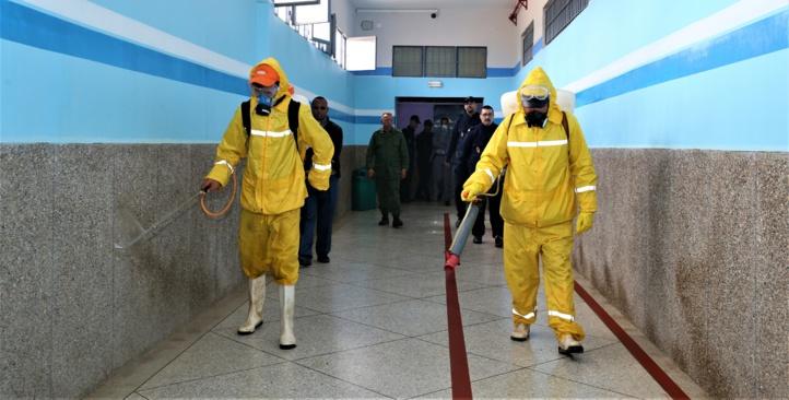 Opération de désinfection et de stérilisation de la prison locale de Taourirt dans le cades des mesures sanitaires préventives de lutte contre la propagation du nouveau coronavirus.