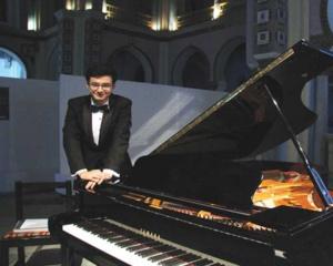 Musique : Mahmoud, le jeune pianiste qui fait naître des notes