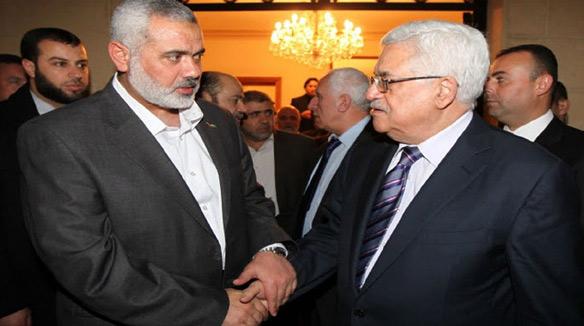 Face au projet d'annexion de la Cisjordanie, Ismail Haniyeh (à gauche de la photo avec M. Abbas),  a appelé à une «position unie» contre Israël.