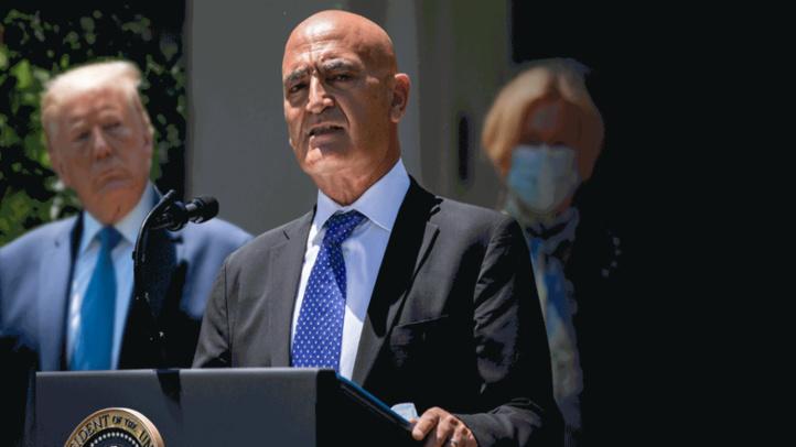 Moncef Slaoui, lors de son discours suivant sa nomination par Trump, le 15 mai à la Maison Blanche (Ph. AFP)