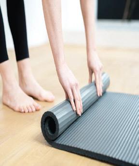 Nettoyer son tapis de Yoga : Un geste sain et indispensable