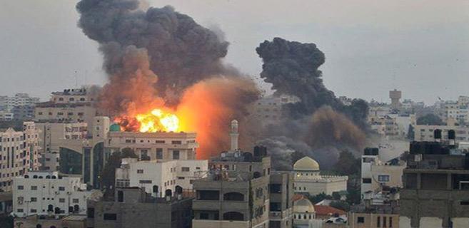 Palestine : Chars et hélicoptères dans des frappes israéliennes sur Gaza