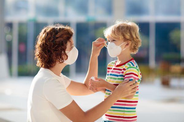 L'OMS recommande le port du masque dès l'âge de 12 ans