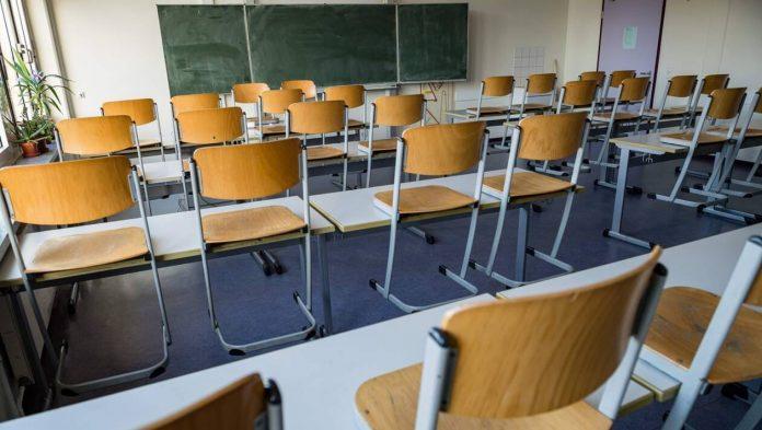 Rentrée scolaire: l'enseignement à distance sera la règle et le présentiel l'exception