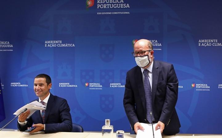 Le secrétaire d'État à l'Énergie, João Galamba, et le ministre de l'Environnement et de la Transition énergétique, Matos Fernandes, annoncent les résultats.