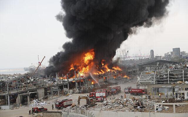Un gigantesque incendie s'est déclaré au port — Beyrouth