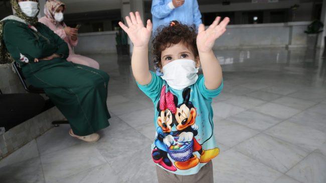 Protocole sanitaire : Une attention particulière pour les enfants atteints de COVID-19