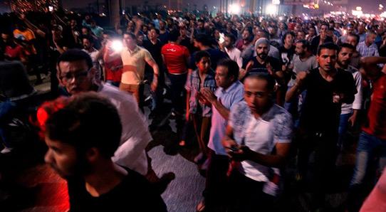 Egypte : Les Egyptiens manifestent pour le deuxième jour contre Sissi