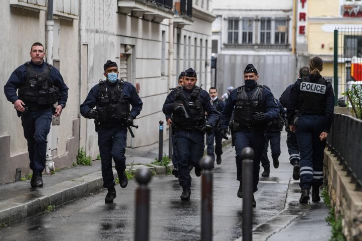 France : une agression à l'arme blanche près des locaux de Charlie Hebdo