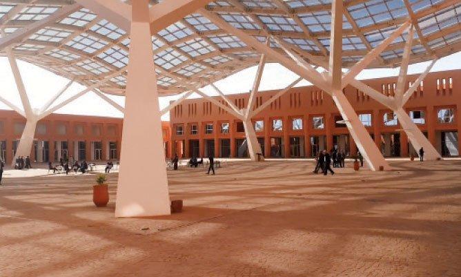 Les défis de l'éducation en Afrique au centre d'une conférence de l'UM6 et l'AUI