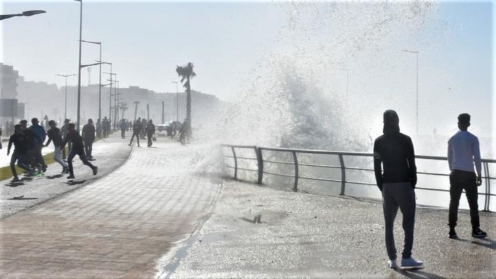 L'Atlantique se déchaîne à Rabat (photoreportage)