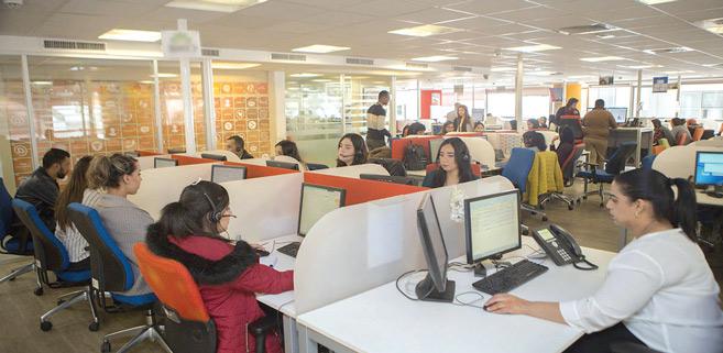 Crise de l'emploi : Les centres d'appel sauvent-ils vraiment la mise?