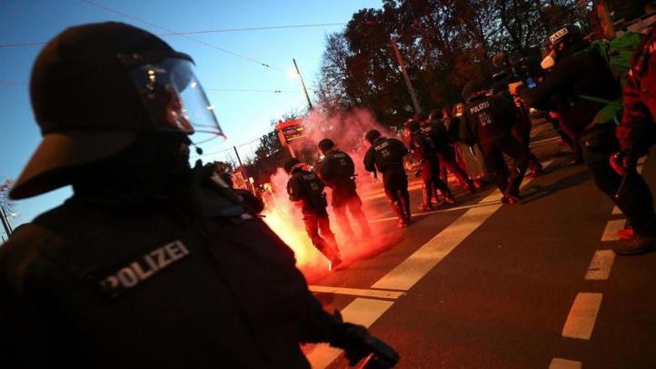 Allemagne : violences entre manifestants anti-restrictions et forces de l'ordre