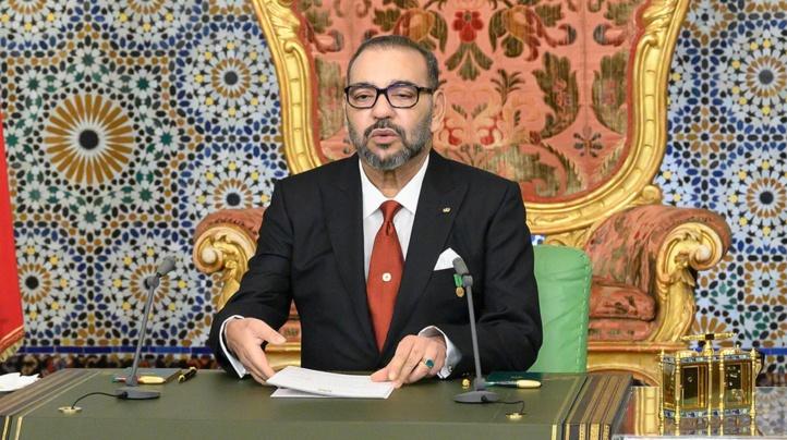 SM le Roi Mohammed VI adressant un discours à la Nation à l'occasion du 45-ème anniversaire de la Marche Verte.