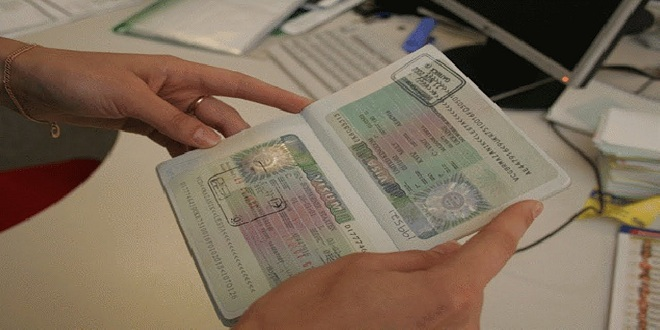 Etudes en France : Mise en place d'un service de demande en ligne des titres de séjour