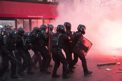 """Marches """"des libertés"""" en France: 62 policiers et gendarmes blessés"""