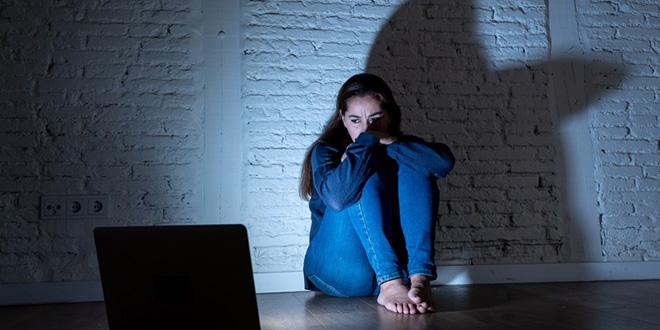 La cyberviolence touche principalement les citadines