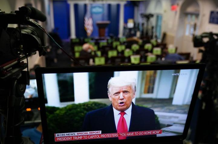 Insurrection à Washington : Trump appelle au calme