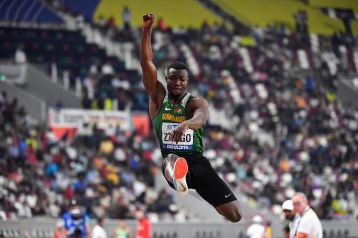 Athlétisme/Triple saut: Le Burkinabè Hugues-Fabrice Zango bat le record du monde, premier homme à plus de 18 m en salle