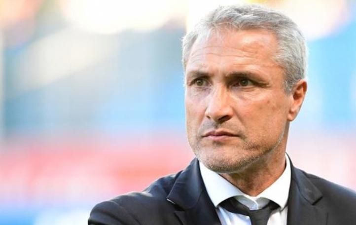 Football: Le Français Bernard Casoni...du MC Oran au MC Oujda