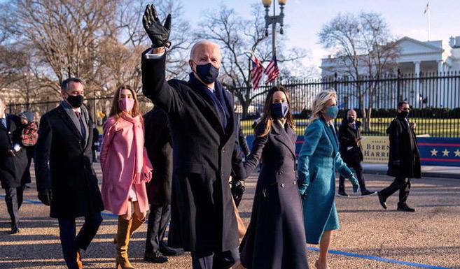 Etats-Unis : Biden à la Maison Blanche, les Américains tournent la page Trump