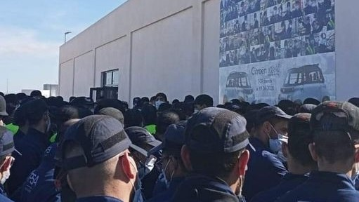 Sit-in devant l'usine PSA à Kénitra : les salariés montent au créneau