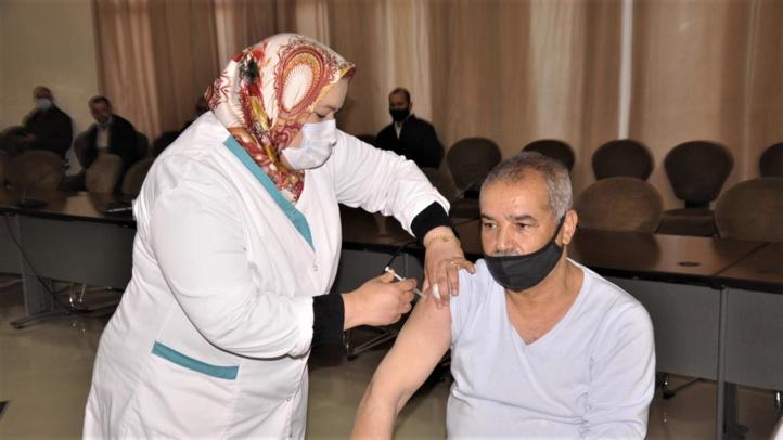 Ouverture d'une enquête à Casablanca suite à la vaccination d'une personne non prioritaire