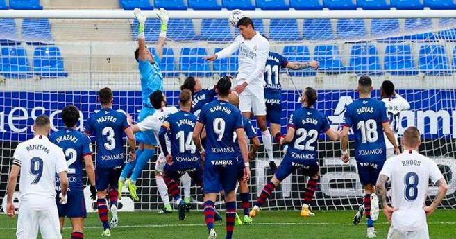 Liga : Varane sauveur du Real chez la lanterne rouge Huesca