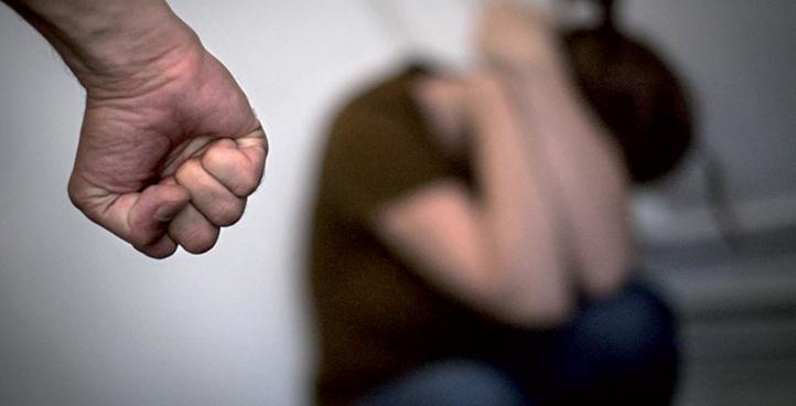 Violences faites aux femmes par un partenaire intime : les lacunes de la stratégie étatique