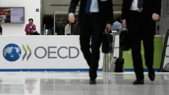 L'OCDE appelle à accélérer le déploiement des vaccins pour consolider la reprise