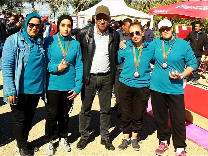 2-Les Stadiyates et leur staff, vice-championnnes du Maroc.