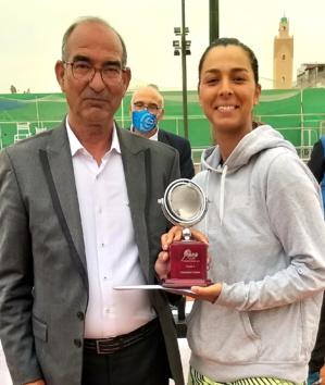3-L'ex. président, Aniss Brahim, avec la finaliste Inès Bachir.