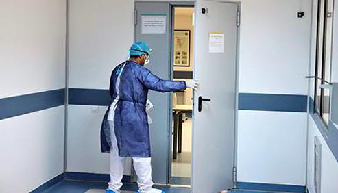 Khénifra : une vidéo montrant une patiente « abandonnée » à l'entrée de l'hôpital provincial fait le tour d'internet