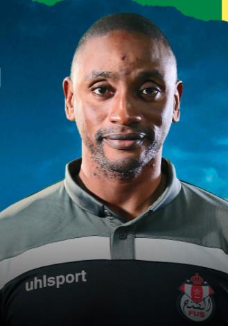 Le FUS se sépare de son entraîneur El Khalfi et nomme le technicien sénégalais Demba Mbaye