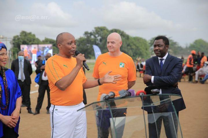 CAF : Motsepe va faire un don de 10 millions de dollars au profit du football scolaire !