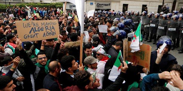 Algérie : le gouvernement avertit contre des actes « subversifs »