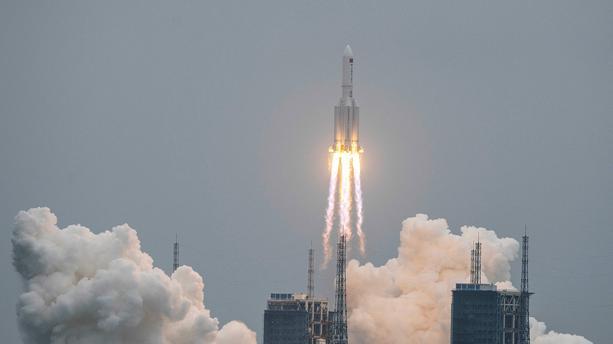 Une partie de la fusée chinoise s'est désintégrée près des Maldives