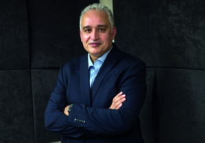 Tayeb Hamdi, chercheur en politiques et système de Santé.