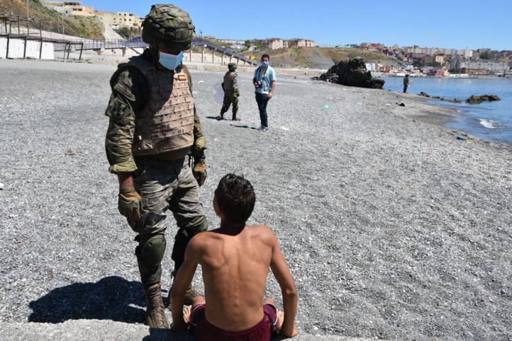 Crise migratoire à Sebta : Le nombre des Herragas exclus atteint les 4.800 personnes