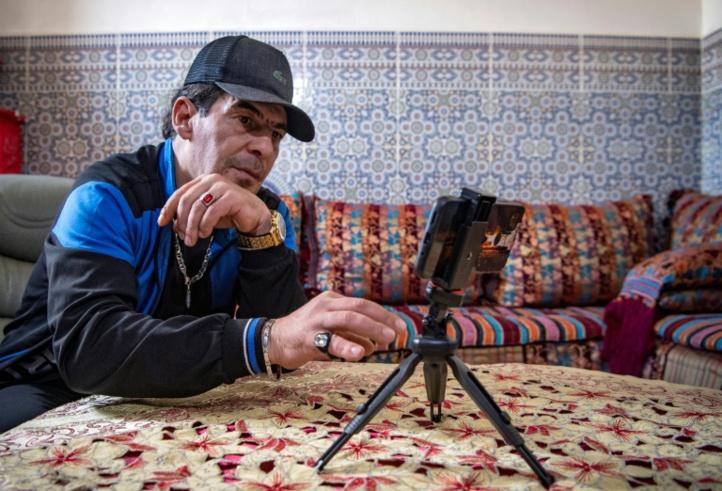 Mohamed Moustadraf, ancien prisonnier marocain et YouTuber (Ph. AFP - FADEL SENNA)