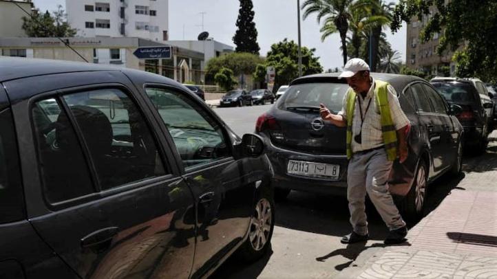 Gardiens de voitures : Après la colère des Marocains, le gouvernement réagit