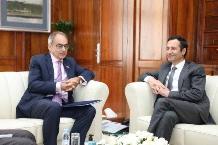Benchaâboun s'entretient avec l'ambassadeur britannique au sujet de la coopération commerciale