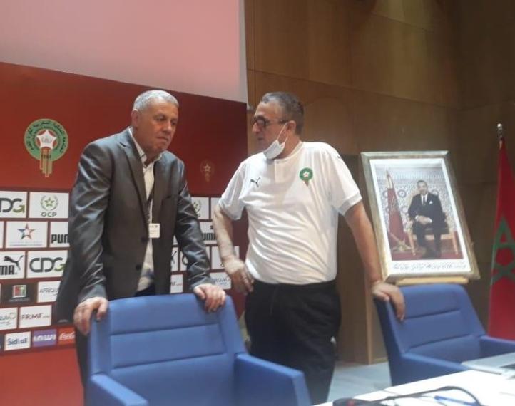 Le président de la CCA, Jamal Kaâouachi, et le directeur de la Direction nationale de l'arbitrage, Yahya Hadqa.