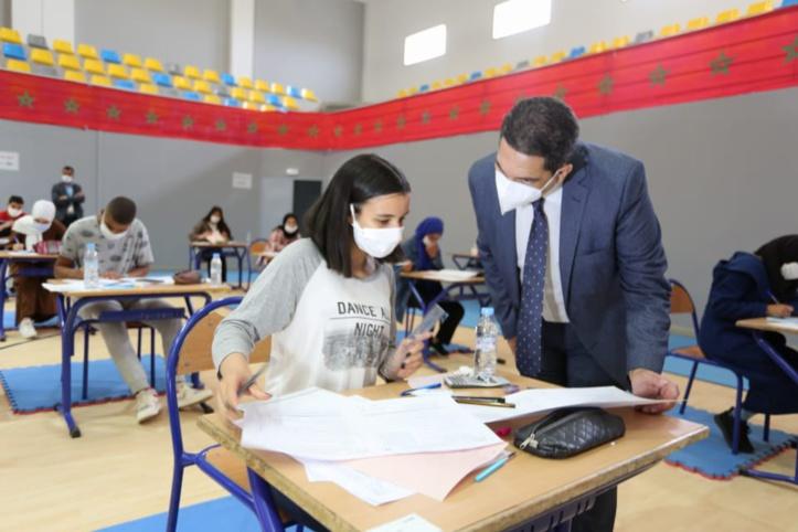 """Le ministère de l'Éducation nationale traque les papiers des internautes pour tricherie lors du """"baccalauréat"""""""