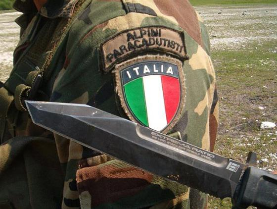 Émirats arabes unis : Expulsion des forces italiennes en réponse à «l'embargo sur les armes»