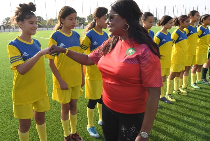 Une importante délégation de la FIFA visite le Centre fédéral régional de football à Saïdia