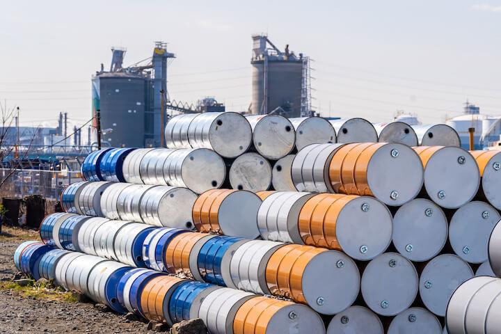 Le pétrole rebondit, les incertitudes économiques s'instaurent