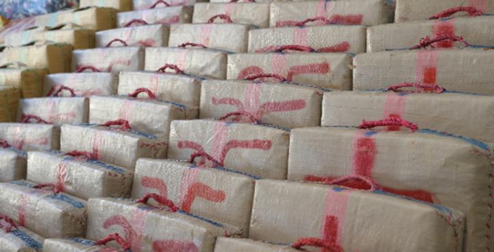 El Guergarat: Mise en échec d'une tentative de trafic international de drogue, plus de 2 tonnes de chira saisies
